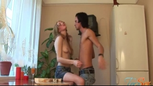 Dirty drunk chicks is giving a fantastic blowjob to their stud